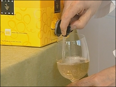 100604_boxed_white_wine