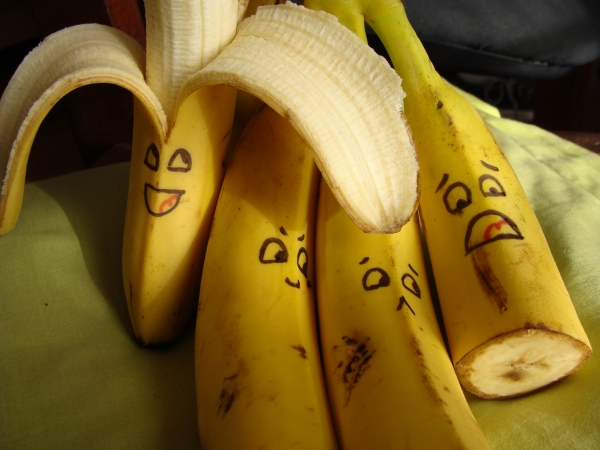 Bananas__D_by_Paw_BR